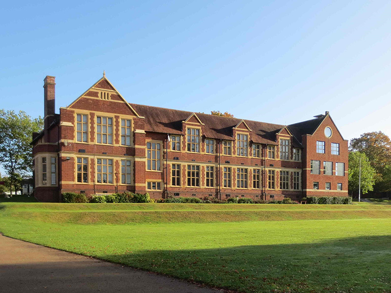 vacation-courses-bromsgrove-school