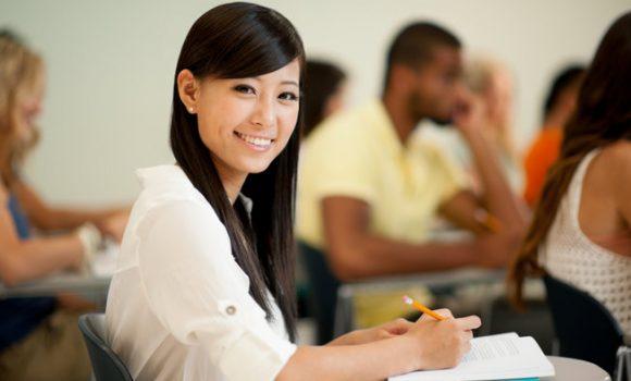 美國學生簽證新安排 續簽免會面便利店付款